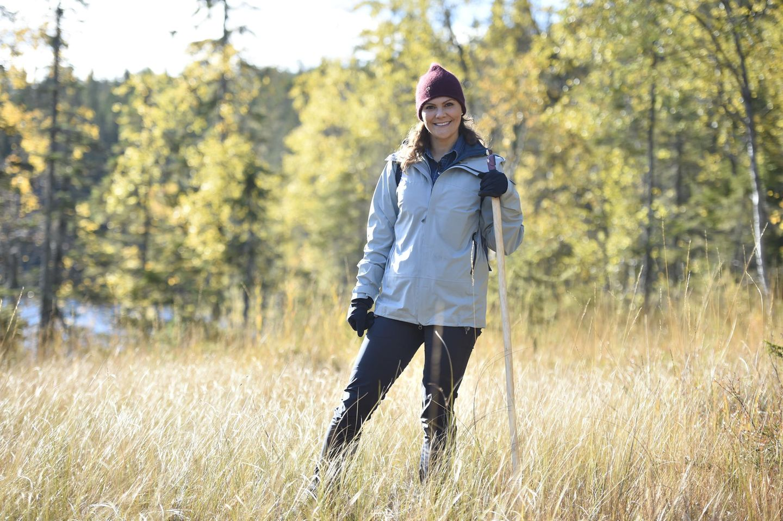 3. Oktober 2018  Prinzessin Victoria ist mal wieder bei einer Wanderung. Die schöne Schwedin ist dieses mal im Nationalpark Skuleskogen unterwegs und hat sich mit dicker Jacke und Mütze so richtig warm eingepackt.