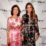 Im Style-Duell mit Mama Silvia? Nicht doch! Madeleine und die Königin bezaubern in New York auf ihre ganz eigene Weise mit unterschiedlichen Blumen-Looks.