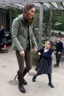 Herzogin Catherine und das kleine Mädchen beim Termin am 2. Oktober 2018 in London