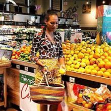 Was auf Barbara Beckers Einkaufsliste steht? Gesunde und leckere Früchte!