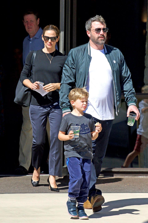 Jennifer Garner + Ben Affleck verlassen Ende Septembergemeinsam mit ihrem Sohn einen Gottesdienst