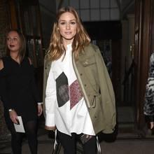 It-Girl Olivia Palermo landet mit ihrer khakifarbenen Jacke einen herbstlichen Volltreffer. Toller Look!Bei den unten aufgeführten Produkten handelt es sich umAffiliate-Links.