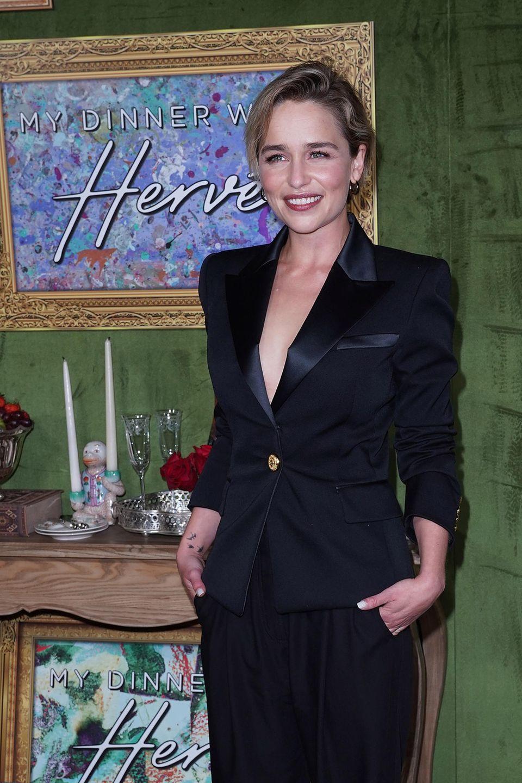 """4. Oktober 2018  """"Game of Thrones""""-Star Emilia Clarke strahlt bei der Premiere des Films """"Mein Abendessen mit Hervé""""."""