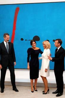 5. Oktober 2018  Kunst gucken mit dem Königspaar:Emmanuel Macron und seine Frau Brigitte besuchen zusammen mit König Felipe und Letiza von Spanien die große Miró-Retrospektive im Pariser Grand Palais.