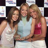"""Im Jahr 2001starten Natasha Hamilton, Liz McClarnon und Jenny Frost als Atomic Kitten so richtig durch und feiern mit Songs wie """"It's OK"""" und""""The Tide is High"""" große Chart-Erfolge."""