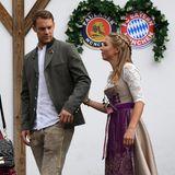 Ebenso wie Torwart Manuel Neuer mit seiner Frau Nina.