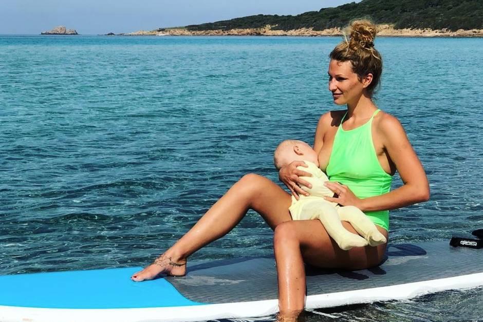 Janni Hönscheid spricht sich für das Stillen von Babys aus