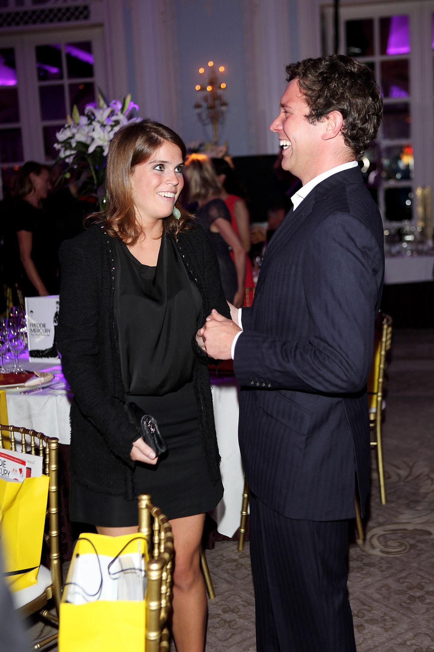 """3. September 2012  Prinzessin Eugenie und Jack Brooksbank besuchen das """"Freddie For A Day""""-Event zu Ehren des Queen-Sängers Freddie Mercury im Hotel """"Savoy"""" in London."""