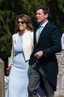4. August 2018  Hier sind sie noch Hochzeitsgäste: Prinzessin Eugenie und Jack Brooksbank bei der Hochzeit von Charlie Van Straubenzee und Daisy Jenks in der St Mary the Virgin Church in Frensham, S​urrey.