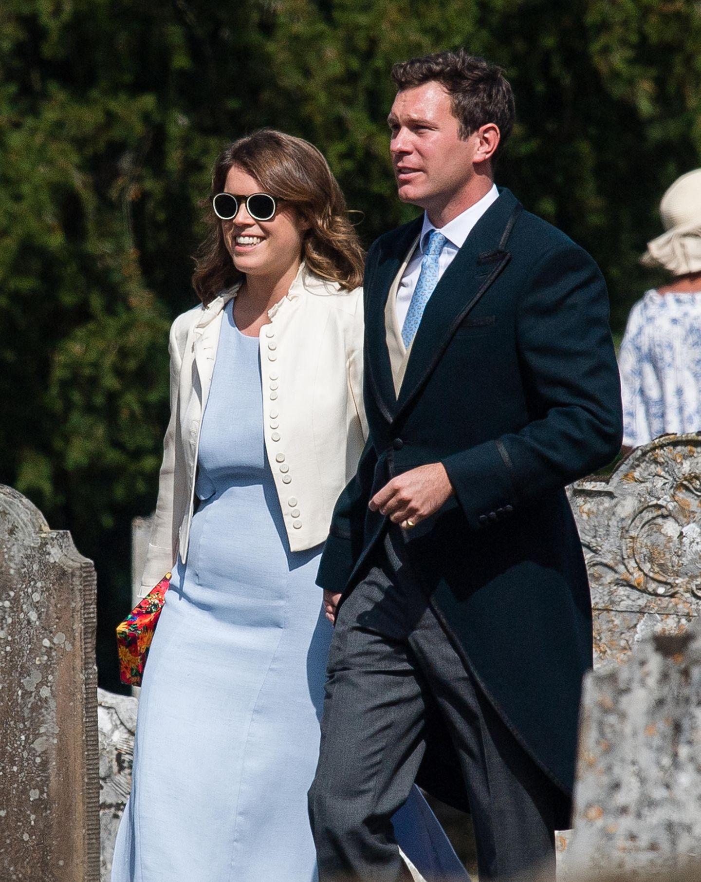 4. August 2018  Hier sind sie noch Hochzeitsgäste: Prinzessin Eugenie und Jack Brooksbank bei derHochzeit von Charlie Van Straubenzee und Daisy Jenks in der St Mary the Virgin Church in Frensham, Surrey.