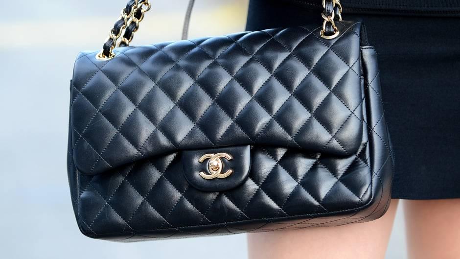 An diesen Merkmalen erkennen Sie ein Original: Designer-Handtaschen im Fake-Check