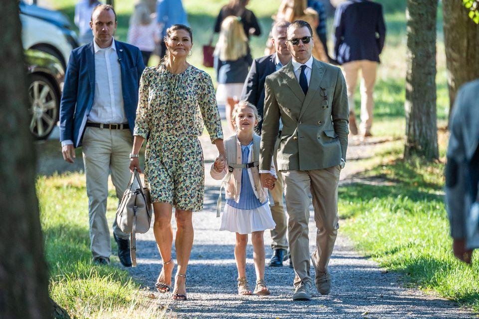 Im August 2018 wurde Prinzessin Estelle in Anwesenheit ihrer Eltern Prinzessin Victoria von Schweden und Mann Daniel