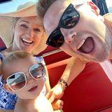 17. Juli 2018  Bei einer Bootstour hat die Familie Keating so richtig Spaß.