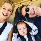 12. August 2018  Auf geht's nach Sri Lanka! Im Flugzeug schießt die Familie noch ein lustiges Selfie.