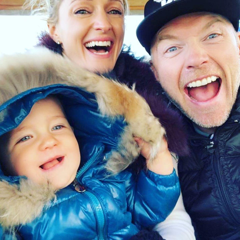 7. Oktober 2018  Mit der Familie Keating wird es wirklich nie langweilig. Fröhlich lachen die Drei in die Kamera.