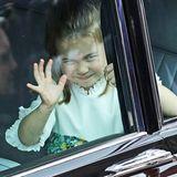 Zuckersüß! Prinzessin Charlotte ist nach der Hochzeit von Harry und Meghan im Mai auch bei Eugenies HochzeitBlumenkind.
