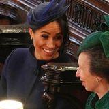 Herzogin Meghan freut sich zusammen mit Prinzessin Anne über die schöne Hochzeit.