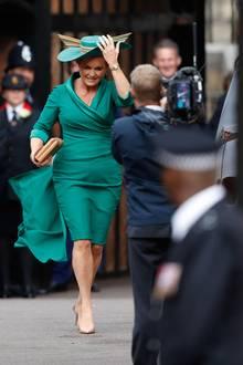 Prinzessin Eugenie & Jack Brooksbank : Go, Fergie! Die Brautmutter auf dem Weg in die St. George's Kapelle.