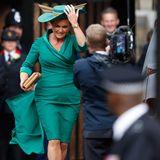 Hochzeit Prinzessin Eugenie + Jack Brooksbank: Go, Fergie! Die Brautmutter auf dem Weg in die St. George's Kapelle.