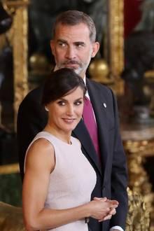 12. Oktober 2018  Zum spanischen Nationalfeiertagempfangen Königin Letizia undKönig Felipe Gäste im Thronsaal des Königspalasts.