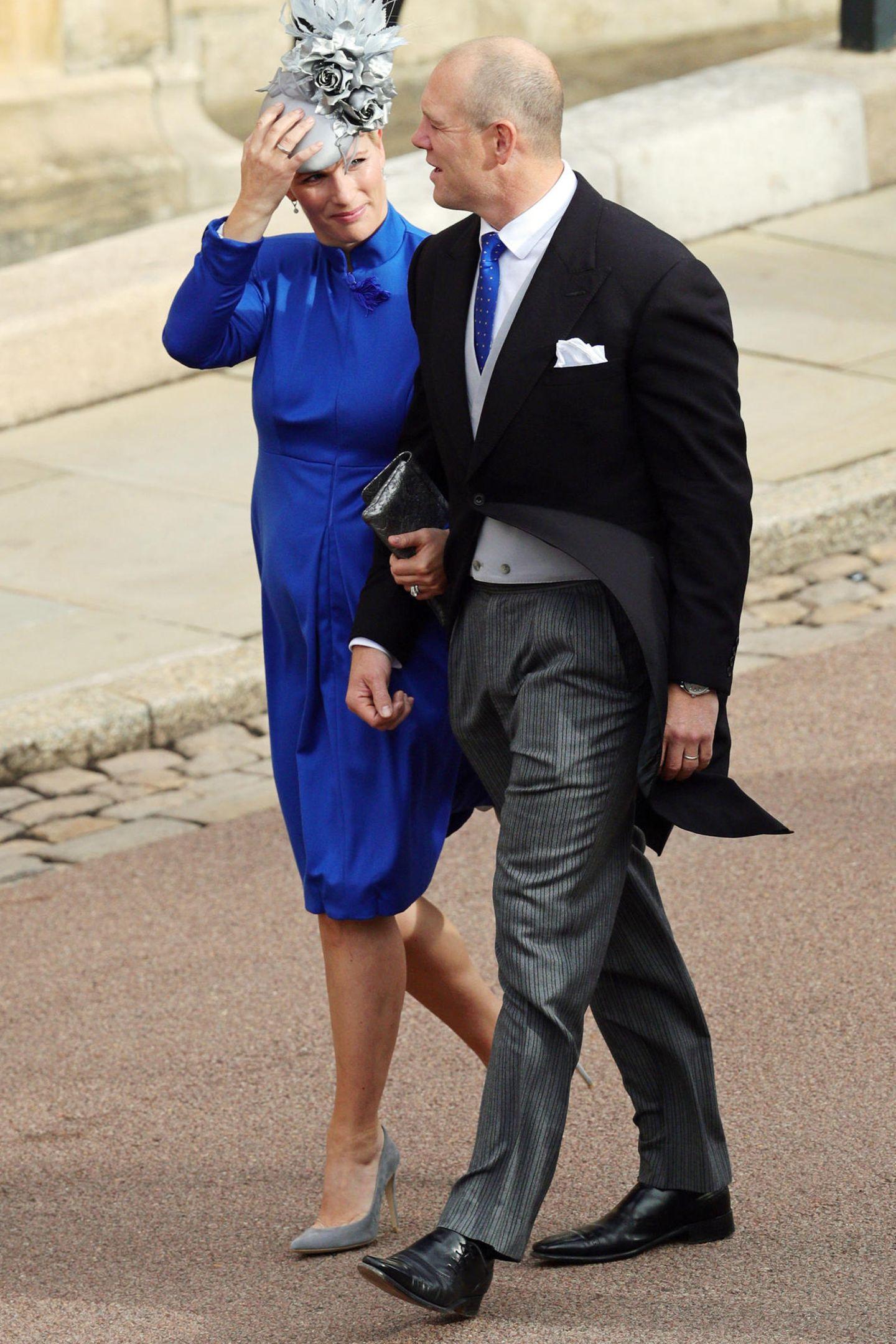 Bei den Familienmitgliedern dürfen Prinzessin Eugenies Cousine Zara Phillips und ihr Mann Mike Tindall natürlich nicht fehlen ...