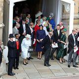 Auch die anderen Mitglieder des Britischen Königshauses sind nach der Trauung bester Laune.