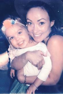 11. Oktober 2018  Zum Weltmädchentag posiert Olivia Wilde mit ihrer Tochter Daisy, die an dem besonderen Tag auch noch Geburtstag feiert.