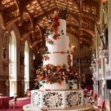 Der Hochzeitsempfang wird mit dieser herbstlich schönen Schokoladentorte gekrönt.