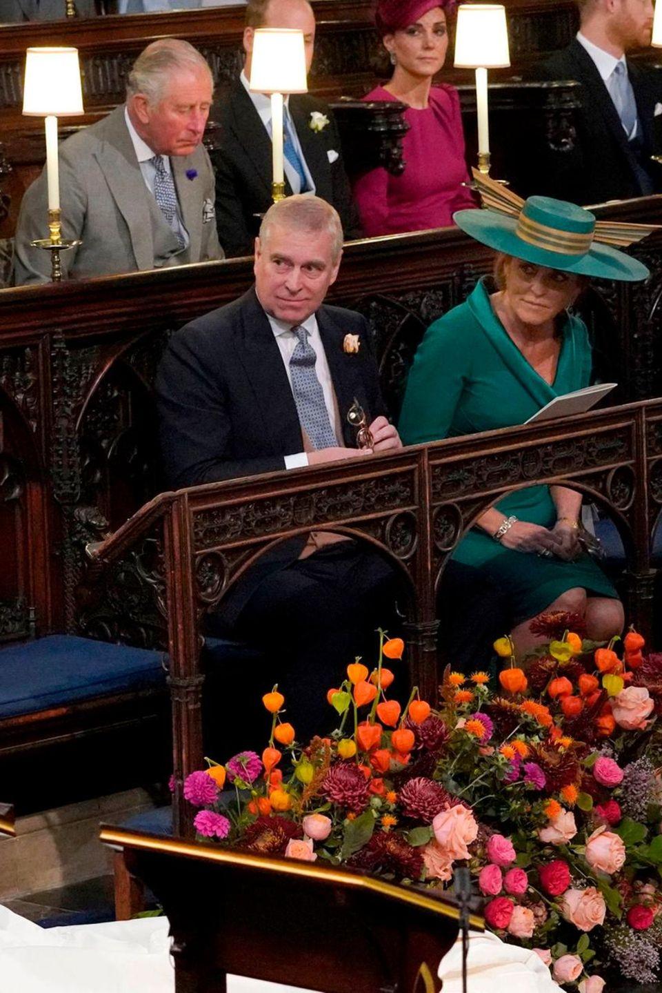 Prinz Philip saß während der Trauung von Prinzessin Eugenie und Jack Brooksbank direkt hinter Prinz Andrew und Sarah Ferguson