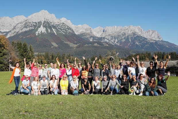 Im Rahmen des Excellence Club 2018 kommen Leading Women aus verschiedenen Branchen bei bestem Wetter imBio- und Wellnessresort Stanglwirt in Österreich zusammen.