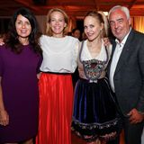 Die Gastgeber Brigitte Huber (Chefredakteurin BRIGITTE), Julia Jäkel (CEO Gruner + Jahr), Anne Meyer-Minnemann (Chefredakteurin GALA) und Hans-Reiner Schröder (Direktor BMW Berlin) freuen sich auf ein spannendes und inspirierendes Wochenende.