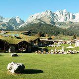 Das Bio- und Wellnessresort Stanglwirt in Going am Wilden Kaiser in Österreich bietet an diesem Wochenende eine traumhafte und luxuriöse Kulisse für unsere Powerfrauen.