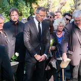 """13. Oktober 2018  Bei der Beisetzung des verstorbenen Boxers Graciano Rocchigiani in Berlin beigesetzt sind unterden Trauergästen zahlreiche Größen aus dem Boxsport. Auch der """"Gentleman"""" Henry Maske ist erscheinen, um """"Rocky"""" die letzte Ehre zu erweisen."""