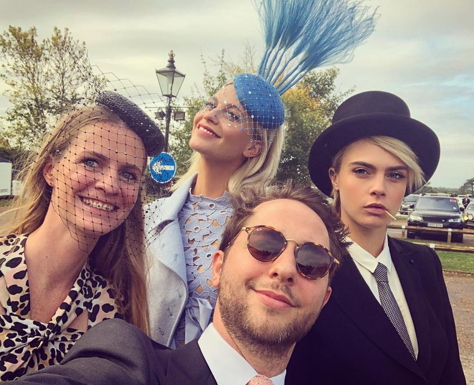 Diesen lustigenSchnappschuss mit den drei Delevingne-Schwestern Chloe, Poppy und Cara, teiltder britische CNN-Journalist Derek Blasberg auf seinem Instagram-Account.