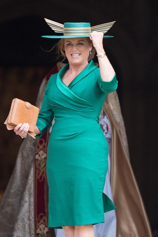 Sarah Ferguson kommt auf der Hochzeit ihrer Tochter Prinzessin Eugenie ins Schwitzen.