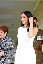 Bei ihrem ersten Auftritt seit Bekanntwerden ihrer Schwangerschaft strahlt Herzogin Meghan in weiß