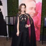 Superwoman in schwarzer Spitze: Kate Beckinsale trägt ein Cape-Kleid von Zuhair Murad Couture.