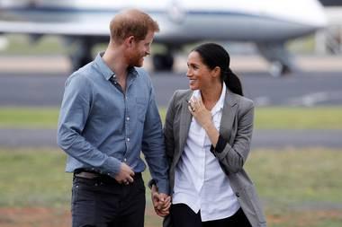 Tag 2  Liebevolle Gesten und tiefe Blicke zwischen Prinz Harry und Herzogin Meghan.