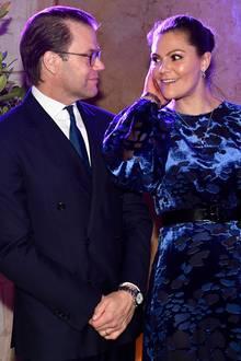 16. Oktober 2018  Verliebte Blicke zwischen Prinzessin Victoria und Prinz Daniel am Abend beim Dinner in der Residenz des schwedischen Botschafters in Amman.