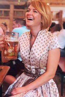 Ex-Bachelor-Kandidatin Viola Kraus hat offensichtlich Lust auf etwas neues. Ihre blonde Mähne hat sie gegen einen feschen Kurzhaarschnitt getauscht, der ihr ganz ausgezeichnet steht.