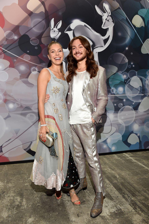Victoria Swarovski und Riccardo Simonetti hatten mit ihren Silber-Looks den gleichen Fashion-Riecher.