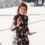 Dem britischen Boulevard-Blatt Daily Mail zu Folge, soll Prinzessin Eugenie bei einer Körpergröße von 1,65 Metern einen Taillenumfang von 71 cm besitzen.
