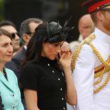 Tag 5  Bei der Zeremonie zeigt sich das royale Traumpaar sichtlich gerührt. Bei Meghan fließen sogar Tränen.