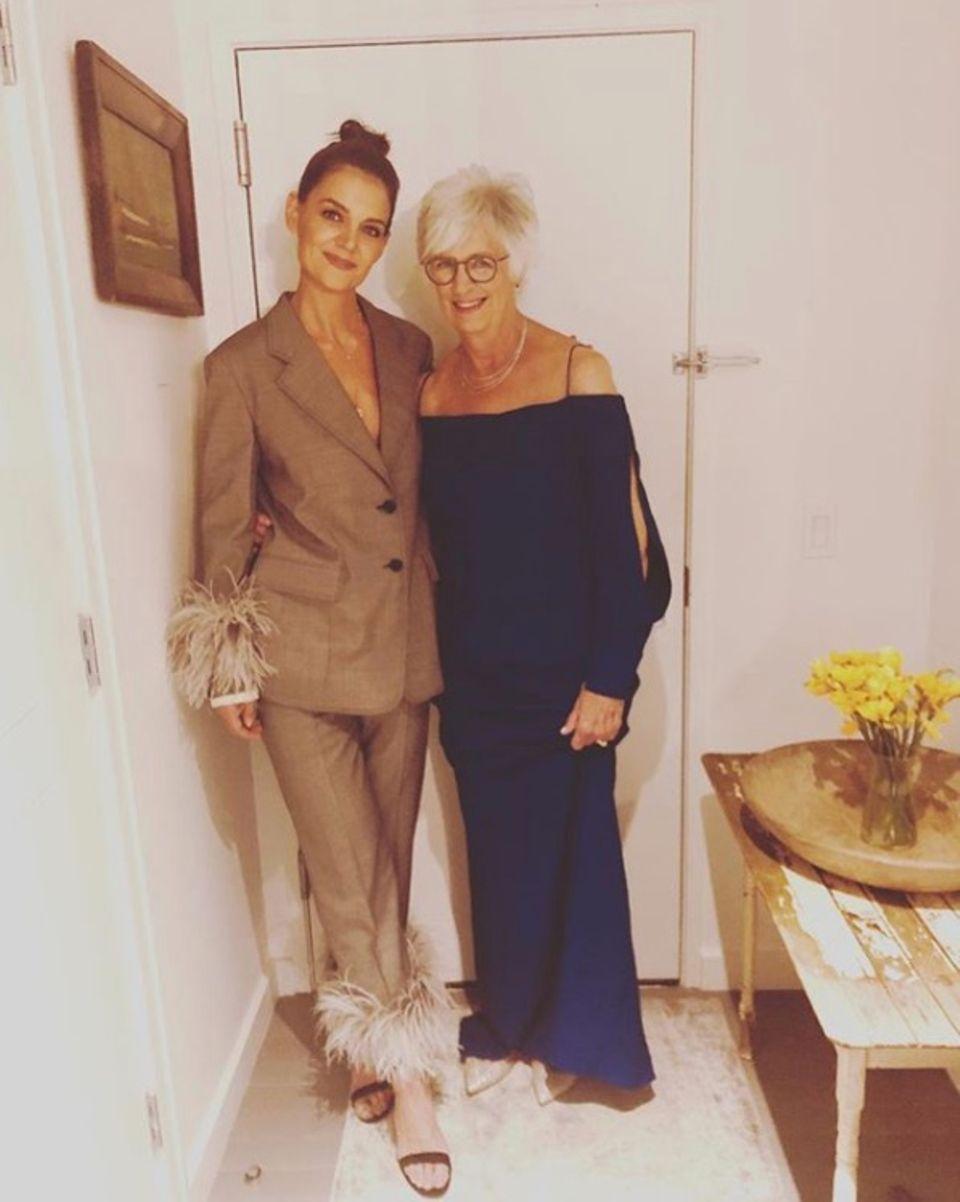Mädelsabend bei Katie Holmes: Die Schauspielerin und ihre MutterKathleen A. Stothers-Holmes sehen fabelhaft aus.