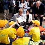"""Tag 6  In SydneysPavilion Restaurant treffen Herzogin Meghan und Prinz Harry Mitgliederder """"Kookaburra Kids"""", einer Stiftung für Kinder, die in von psychischenKrankheiten betroffenen Familien leben."""