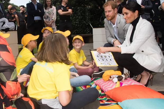 Prinz Harry und Herzogin Meghan treffen ein paar Kindern beim Mittagessenmit dem australischen Premierminister Scott Morrison