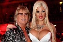 Ein Bild aus glücklicheren Tagen - Bert Wollersheim mit Sophia Vegas