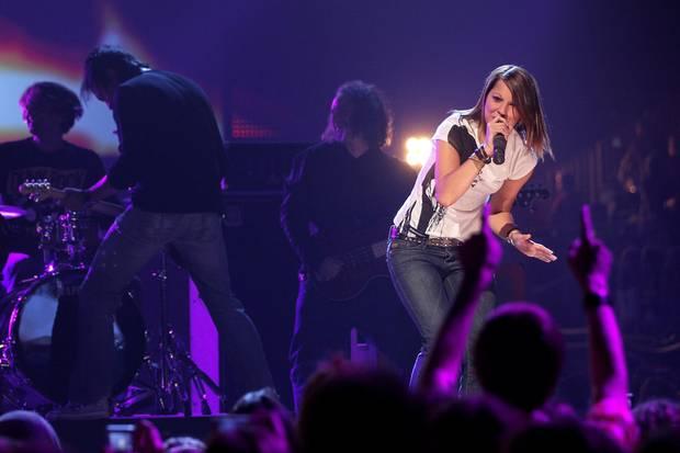 """Christina Stürmer bei einem Auftritt vor mehr als 8 Jahren bei """"The Dome 55"""". Damals, 2010, noch ohne Töchterchen Marina im Gepäck"""
