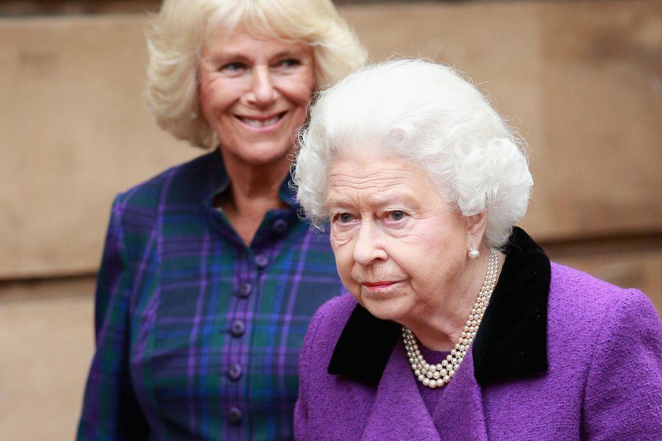 Herzogin Camilla, Queen Elizabeth