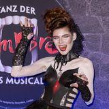 """Gefährlich!Germany's next Topmodel- Kandidatin Klaudia Giez bei der Premiere des Musicals """"Tanz der Vampire"""" in Berlin als blutrünstige Vampirlady."""
